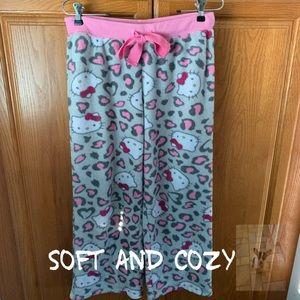 Hello Kitty Girls pajama bottoms size M